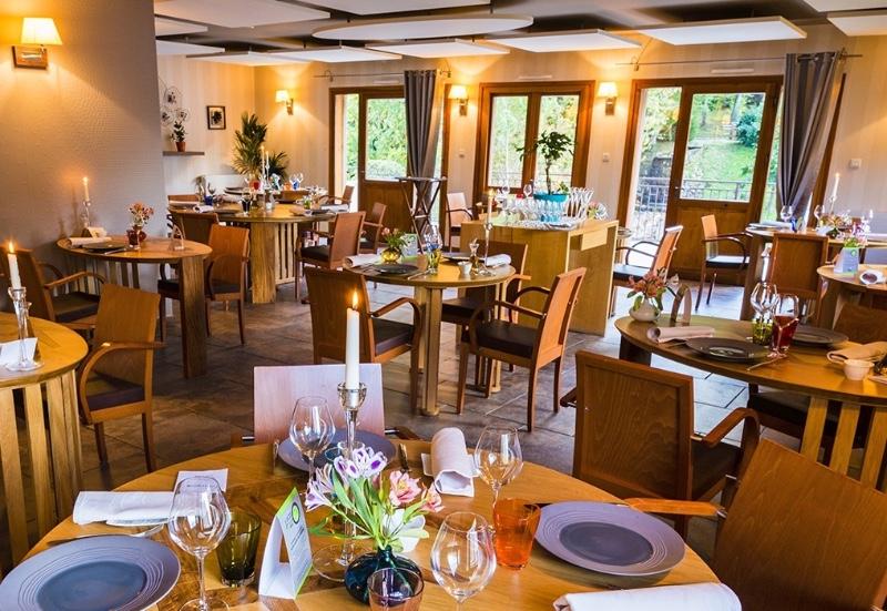 salle-du-restaurant-le-Chalet